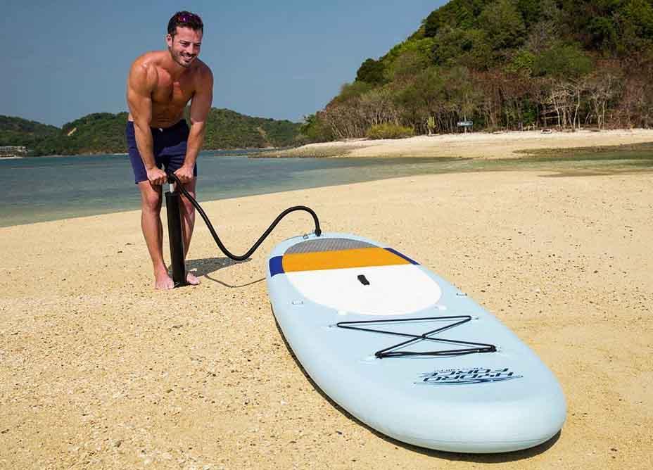 Aprende a inflar tu tabla de paddle surf para que se mantenga como el primer día